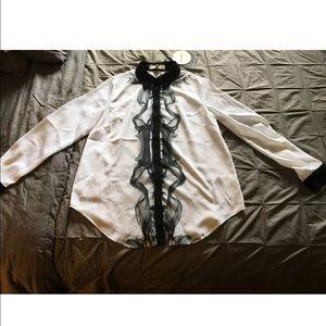 CAMEO brand new smoke print blouse Sz M
